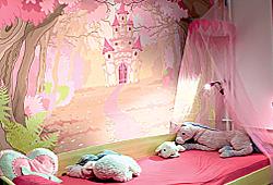 Розовый замок в волшебном лесу - для детской