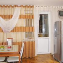 Дизайнерские шторы на кухню