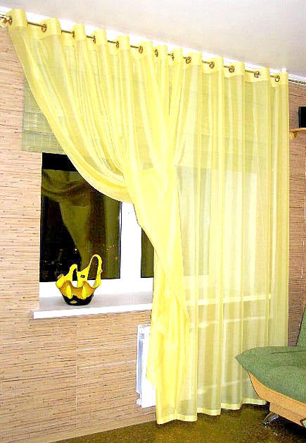 Легкая желтая кисея для кухни и римская штора на заказ