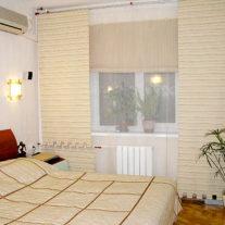 Декораивные панели и римские шторы на окна
