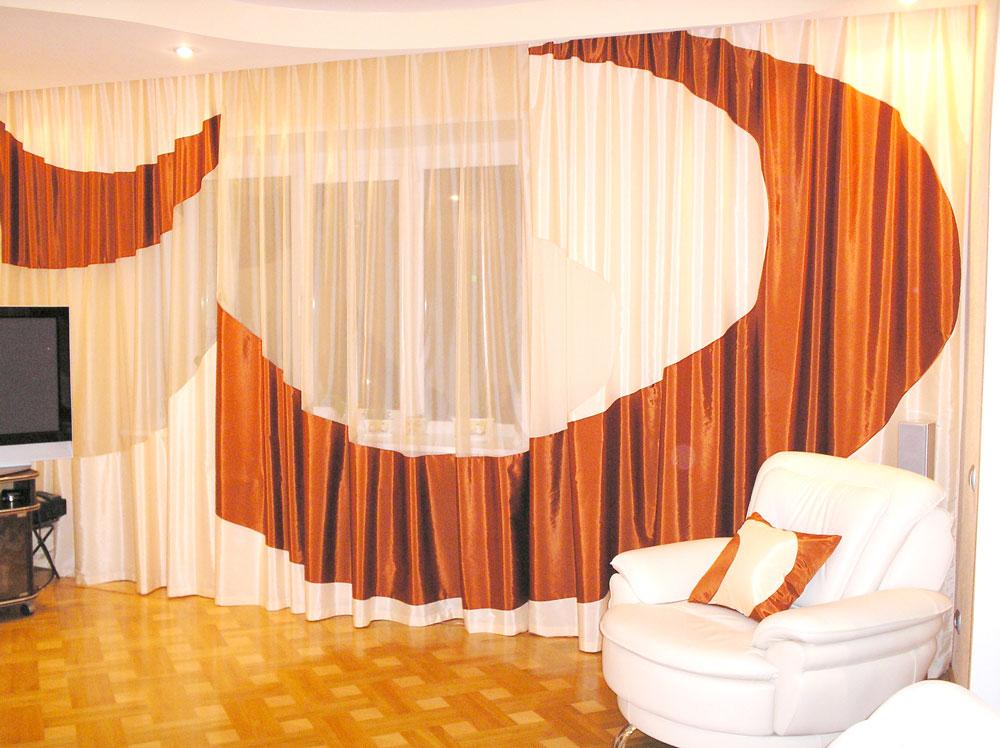 Огненная аппликация на полупрозрацной тюлевой ткани в зале, шьем шторы на заказ