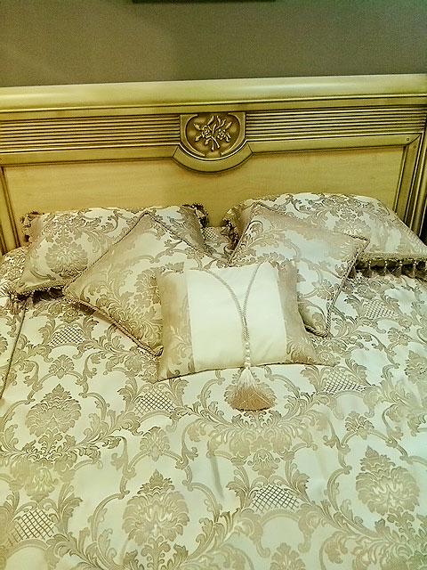Декоративные подушки с кистями