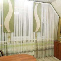 Занавески на мансардное окно с органзой