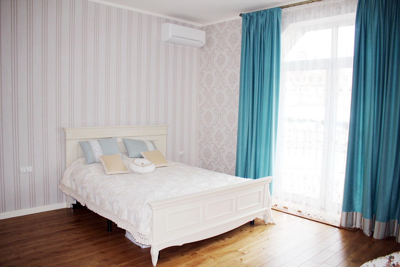 Бирюзовые шторы пошив на заказ с прямой складкой