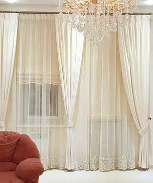 Белые шторы в зал